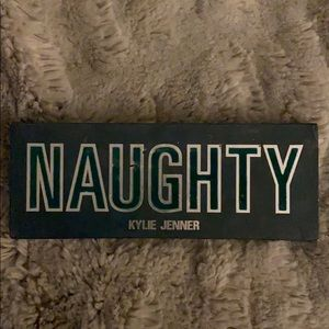 Kylie cosmetics naughty eyeshadow palette